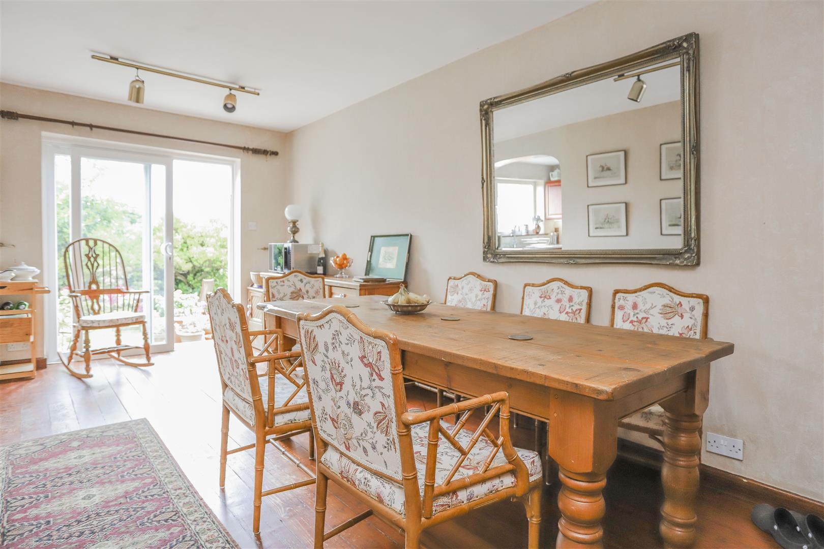 5 Bedroom Detached House For Sale - 5.JPG